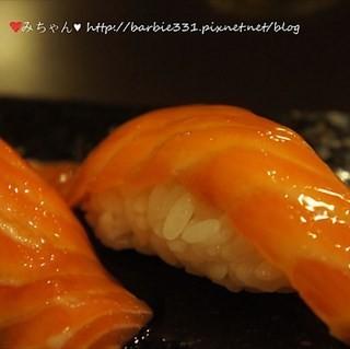 鮭魚握壽司 -  dari 千壽司日本料理 板橋店 (板橋區) di 板橋區 |New Taipei / Keelung