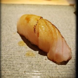 右口魚壽司 -  dari 允壽司 (大安區) di 大安區 |Taipei